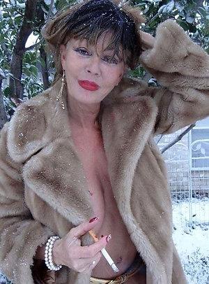 Hot nude brunette women amateur pics