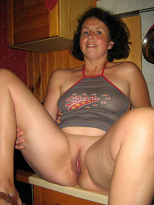 Classy mature brunette sex pics