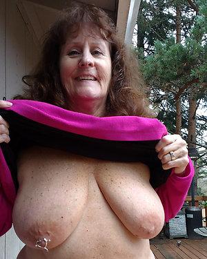 Xxx mature brunette nude pictrues