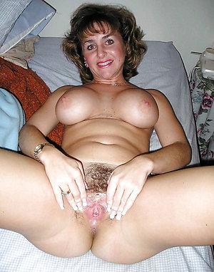 Naughty brunette milf pics