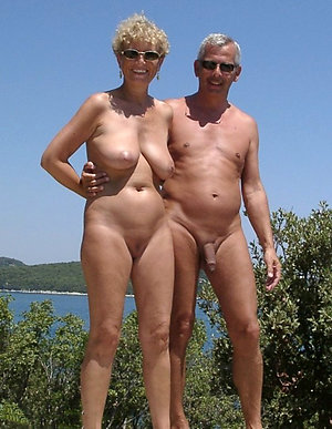 Fledgling naked mature couple