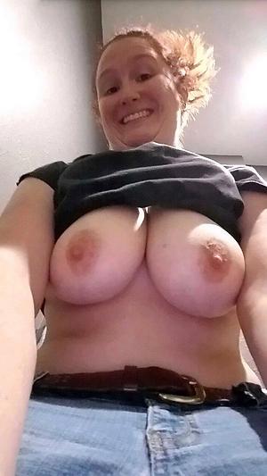 Non-professional horny busty mature slut pics