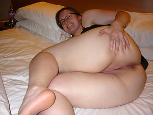 Naked big butt mature amateur pics