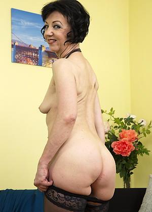 Naughty big butt matured nude pics