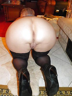 Nude big butt mature photos