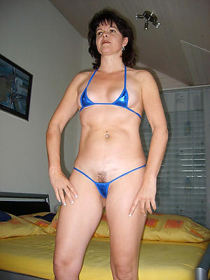Amateur sexy mature women roughly bikini