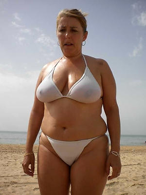 Sexy matured women in bikini slut pics