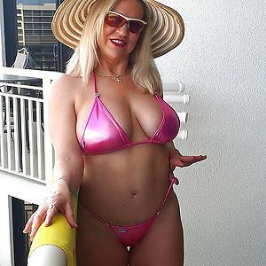 Real mature women in bikini porn pics