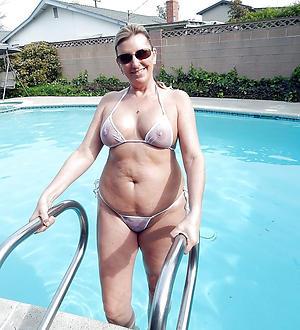Mediocre pics of mature women in bikini