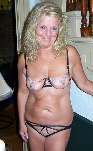 Hot porn of sexy blonde mature