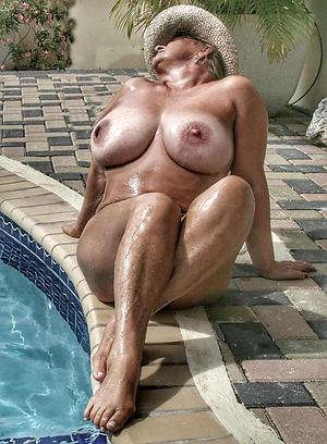 Wet pussy sexy mature feet