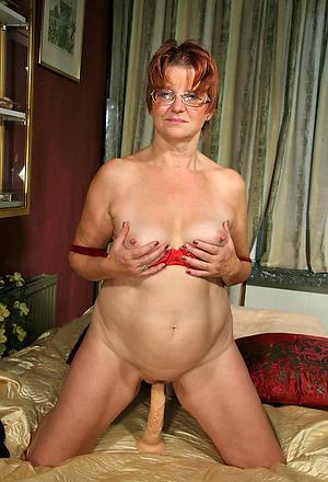 Hot grown up amateur milf free porno