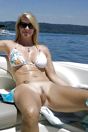 Nude mature bikini photos