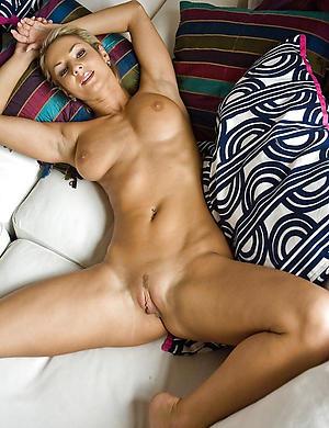 Sexy mature muscle woman slut pics