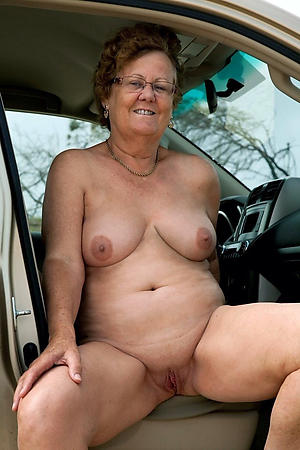 Nude older mature pussy pics