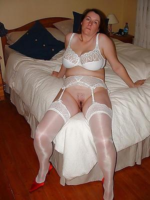 Wet pussy erotic mature pictures