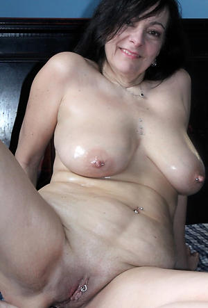 Amateur pics of sexy grown-up cougar milf