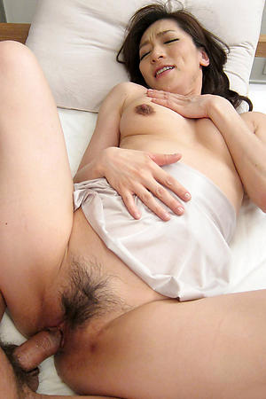 Amateur pics of asian full-grown milf