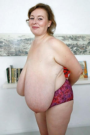 Xxx saggy mature breasts naked photos