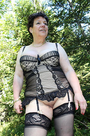 Naked outdoor matures gallery