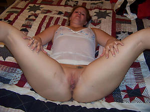 Naughty mature house wife pictures