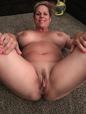 Full-grown women nude pics