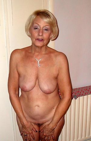 Mature women posing unconcealed porn pics