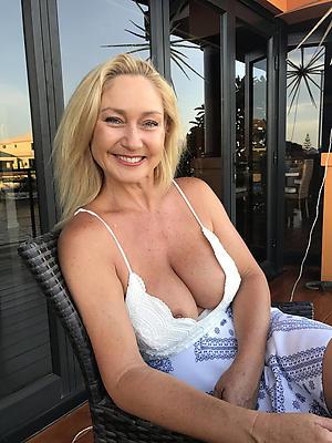 Xxx mature hot moms naked photos