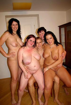 Mature lesbian systematize floosie pics
