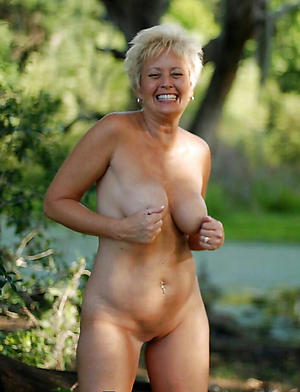Amateur pics of mature british housewives
