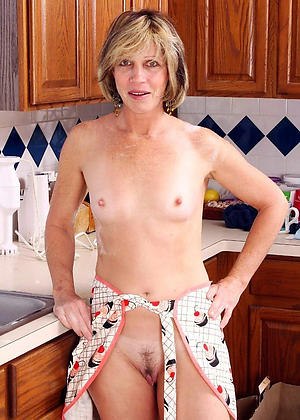 Best naked mature housewives porn pics