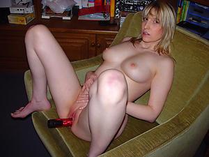 Magnificent mature woman masturbating pussy pics