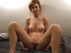 Beautiful mature shaved pussy pics