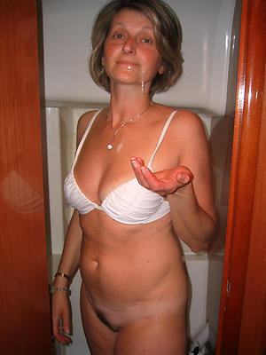Best mature woman cumshot pussy pics