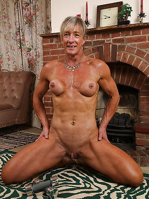 Nude mature muscle photo