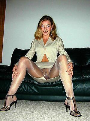 Xxx mature generalized wide pantyhose photos