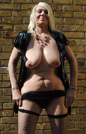 Amateur pics of hot mature nude women