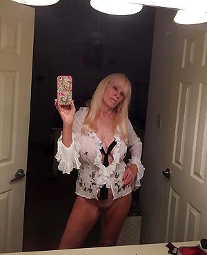 Amateur pics of naked mature selfies