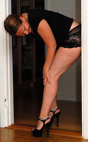 Slutty sexy matured in heels pics