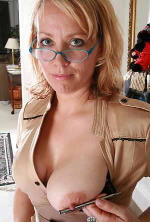 Amateur pics of mature women nipples