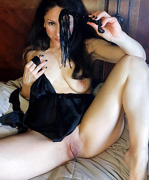Unpaid pics of amateur mature naked women
