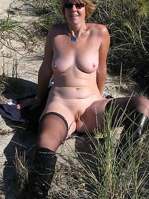 Naughty amateur mature naked women photos