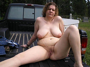 Divest mature outdoor pussy gallery