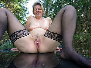 Slutty mature outdoor pussy naked pics