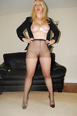 Pretty mature woman regarding pantyhose hot pics