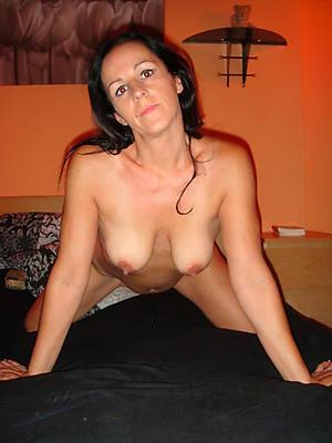 Dabbler pics of morose mature women over 40