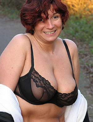 Mature women over 40 pussy pics