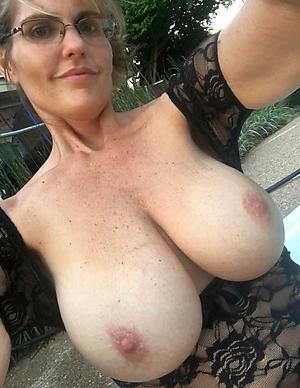 Amateur pics of mature naked selfshots
