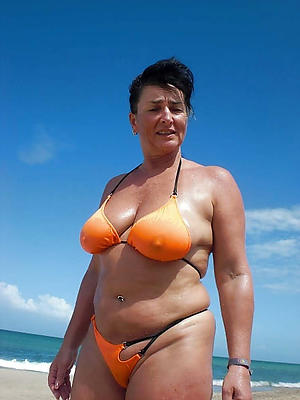 Sexy of age woman bikini pussy pics