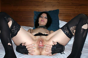 Amateur pics of nasty mature whores